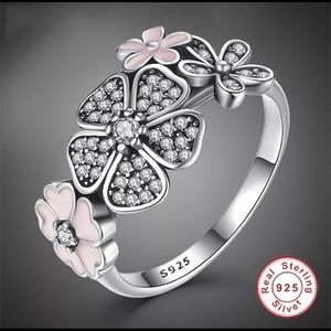 Jewelry - Sterling Silver Pink and Black Daisy Ring