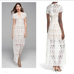 Dresses & Skirts - Lace maxi dress with high Center slit