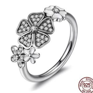 Jewelry - Sterling Silver Black Daisy Ring