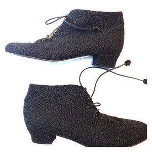 Black Shoes Laure Bassal Vintage costume size 8