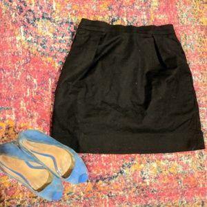 Stylish, super versatile Gap skirt w/pockets!🤩