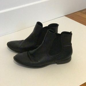 Old Navy Chelsea Boots
