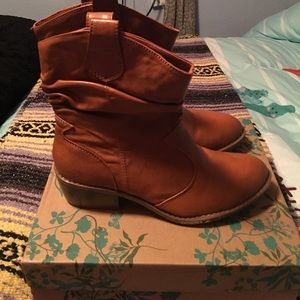 BAMBOO SLOUCHY BOOTIES