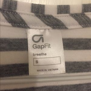 GapFit Breathe striped tee shirt. Size small.