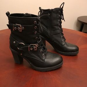 Guess sexy ankle boots
