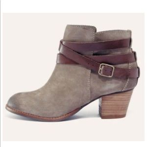 Dolce Vita Java Buckle Ankle Boots Booties Suede