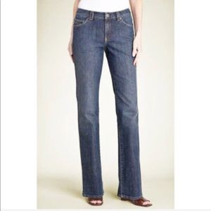 Elie Tahari Classic Straight Nicola Jeans