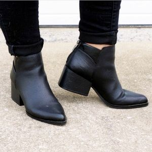Simply Vera • Black Booties