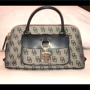 Dooney & Bourke 1975 Signature Series handbag