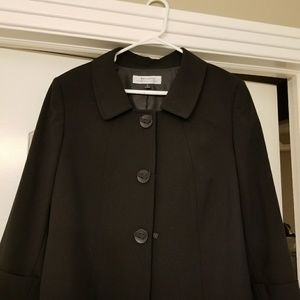 Tahari Arthur S Levine Classic Black Blazer
