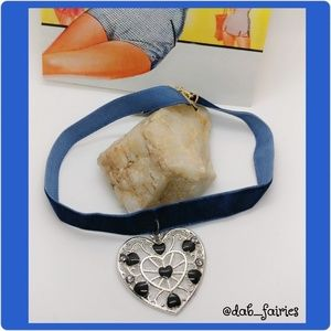 Adorable upcycled new choker w/ heart pendant