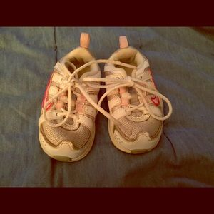 Little girl Nike shoes size 5.5