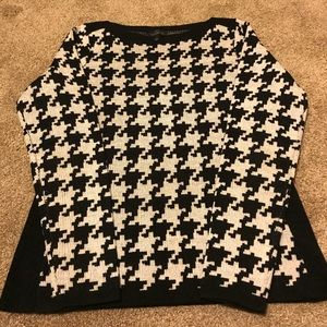 Like new The Limited sweater size small