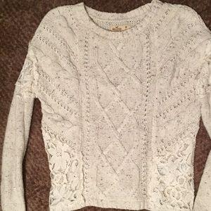 Hollister sweater size medium