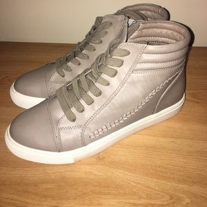 NWT, NEVER USED STEVE MADDEN SNEAKERS