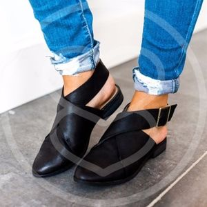 AVA Slip-on Flats - BLACK