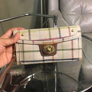 Handbags - Coach wallet wrislet