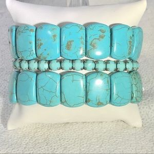 Triple strand turquoise colored stretchy bracelets