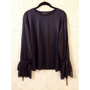 {Zara} Semi Split Sleeve Top