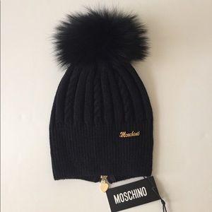 Moschino wool beanie with raccoon fur Pom