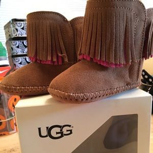 Toddler Uggs (NEW) sz(4/5)
