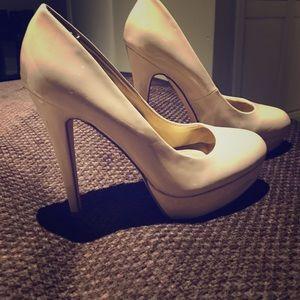 Guess, beige 4 inch high heels