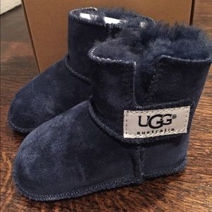 Baby Uggs Erin size S in navy blue