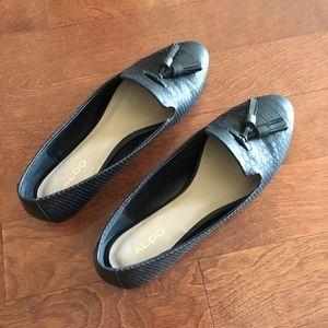 Aldo black snake skin size 7.5 flat loafer
