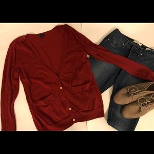 Used GAP cardigan in burgandy and gold size M