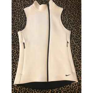 Nike therma-fit vest