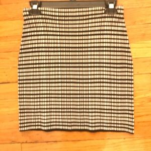 Theory Skirt Size Small