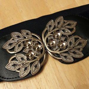 Black and Silver Fashion Stretch Cinch Belt
