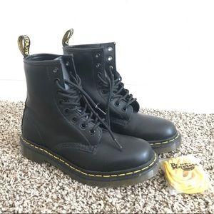 Dr. Martens 1460 Black Noir Smooth US Size 6