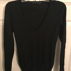 Like NEW size medium v-neck sweater by the Limited
