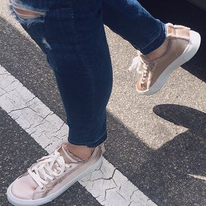 ZARA Gold Fashion Sneakers with Fur⭐️⭐️