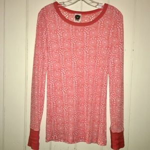 Adorable Free People thermal long sleeve top! 👚