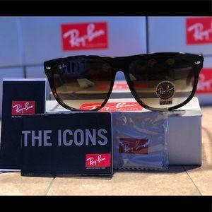 Authentic Ray Ban Boyfriend Classic Sunglasses