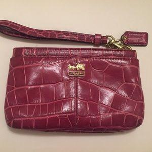 Coach wristlette, Coach Clutch, Coach 👜, pink bag