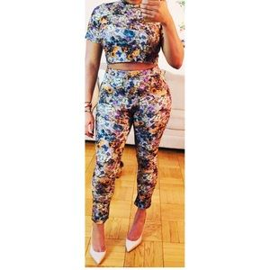 Boohoo Co-ord floral pant and crop top🌸🌺💐