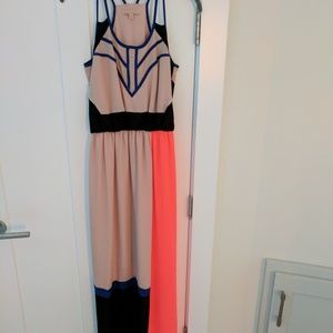 Gibson*Latimer*NWOT*Colorblock Chiffon Maxi Dress