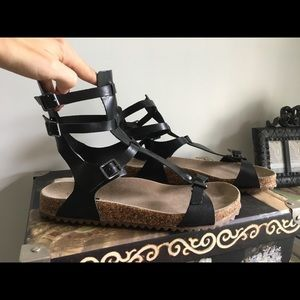 Schutz Magnelia Black Leather Sandal 7