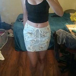 Dresses & Skirts - Hawaiian skirt