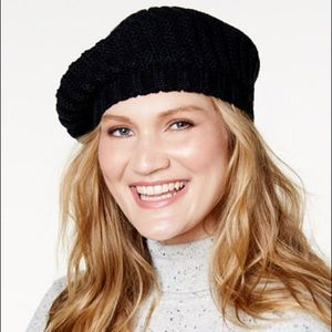 ❤️ Black Cable Knit Beret-Style Beanie