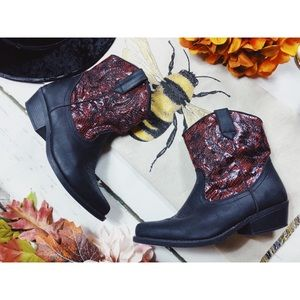 Vegan leather Faux Snakeskin Wally Cowboy Boots 8