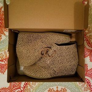 Toms cheetah suede print desert wedges
