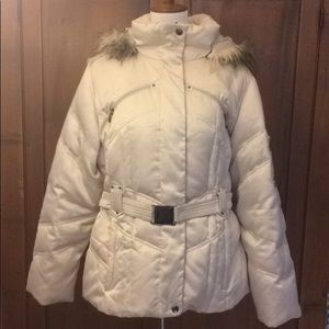 ♨️NEW ITEM LISTING♨️ Puffer Coat w/ Faux Fur Hood
