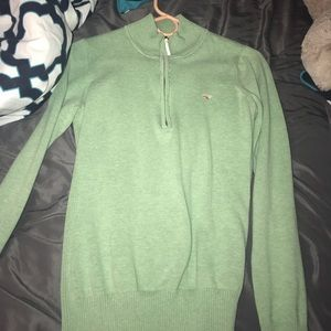 Size small vineyard vines sweater