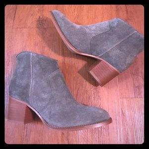NEW Suede Boots, sz 38