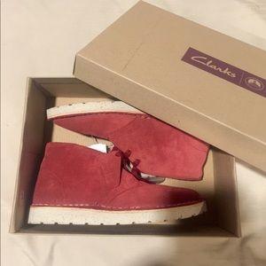 EXTRA LITE Suede Shoe boot from Clarks Originals