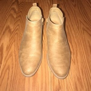 Qupid Cognac Ankle Boots 6.5
